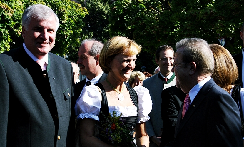 Ministerpräsident Seehofer in Altötting.